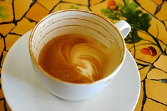 Latte (hkfioregiallo) Tags: cup coffee closeup latte