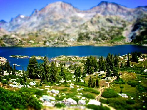 フリー写真素材, 自然・風景, 湖・池, 樹木, 山, ティルト・シフト・フェイク, ランプ,