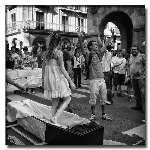 ¡Levántate! by Andrés Ñíguez