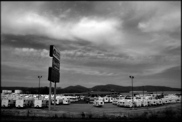 Hurtling toward the Economic Crisis - Dandy's RV Superstore 2008