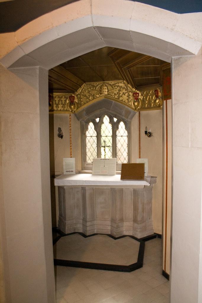 Side altar3