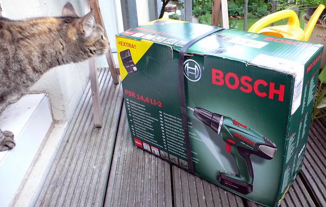 Bosch-Akkuschrauber PSR 14.4 mit Katze