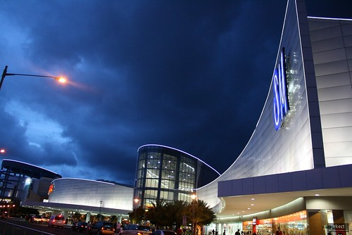 SM Mall of Asia. Photo: jekert gwapo / Flickr Creative Commons