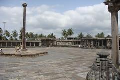 DSC04820 (Philip Larson) Tags: vacation india temple vishnu indian hassan shiva karnataka halebid belur southindia halebidu bahubali halebeedu sravanabelagola hoysala beluru philiplarson muruchigateri