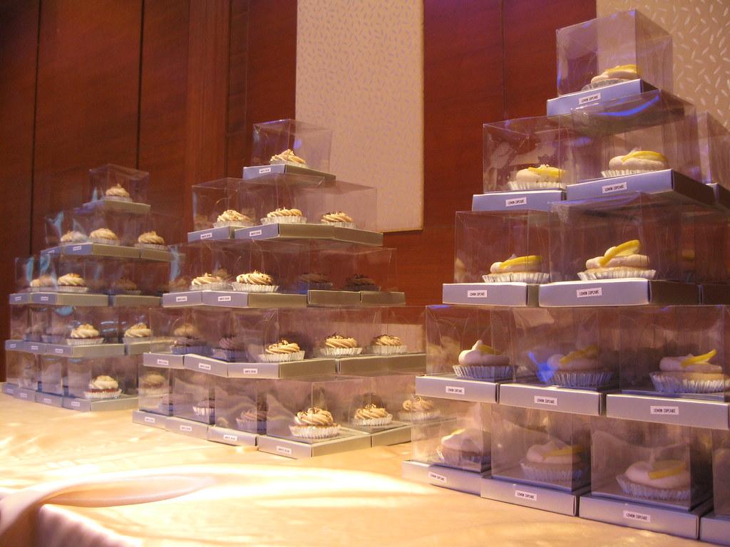 vegan cupcake pyramids