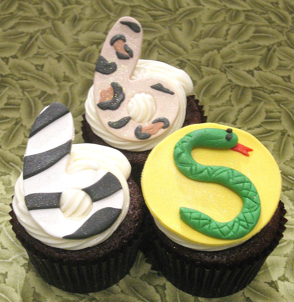 Animal Themed 6th Birthday Cupcakes
