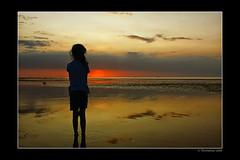 Wishfulness (Thomaniac) Tags: light sunset sea colors silhouette canon eos licht meer mood sonnenuntergang vivid atmosphere northsea lowtide longing stimmung farben ebbe yearning sehnsucht 450d wishfulness thomaniac