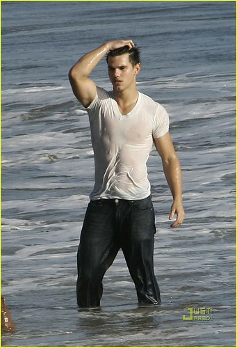 Taylor Lautner by Bounce!!!!.
