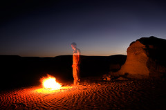 Desert Ghost / Duch Pustyni (ania.egypt) Tags: travel light holiday sahara fire twilight nikon loneliness desert ghost egypt wakacje wiato ogie egipt duch ognisko samotno podr pustynia zachodsoca