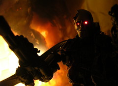 The T600 - Wall of Fire (1/6th shooter) Tags: toys actionfigures terminator t2 villians cyborgs sarahconnor t600 hottoys johnconnor endoskeleton terminatorsalvation