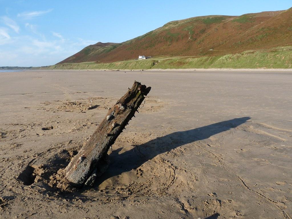 11570 - Rhossili Shipwreck Helvetia, Gower