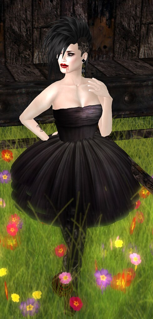[SMOTD] Dark Dark Night Dress + Black Maria