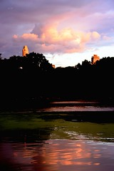 Cloudy (Sphinx!) Tags: city sunset sky cloud lake newyork water america lago atardecer agua unitedstates cloudy centralpark manhattan cel cielo puestadesol nube aigua estadosunidos nuevayork llac nuvol thelake postadesol novayork nuboso abigfave ennuvolat estatsunits gnneniyisi