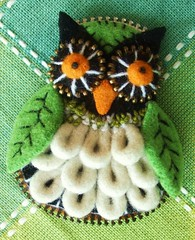Felt and zipper owl #1 (woolly  fabulous) Tags: wool leaves felted pin recycled handmade embroidery brooch felt owl