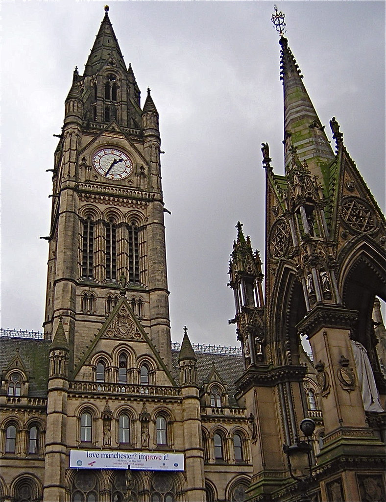 Manchester Town Hall (love manchester, improve it!)