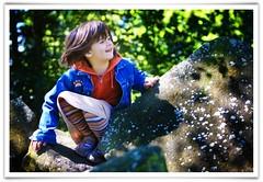 (...Keiths) Tags: family blue green play stuttgart availablelight naturallightkids naturallightportrait