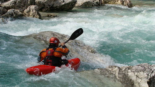 threading the line on Soča