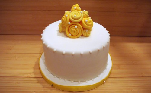 Yellow Roses Birthday Cake --  Blog