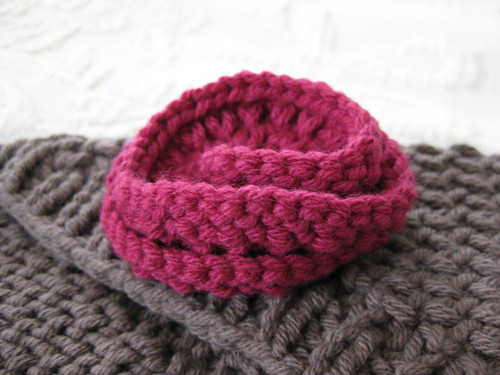 knit rose pin