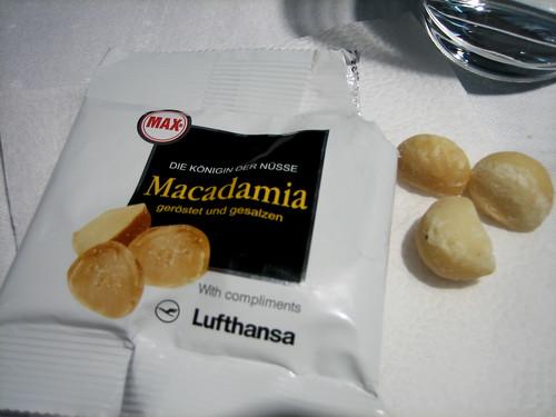 Lufthansa - Macadamia Nuts