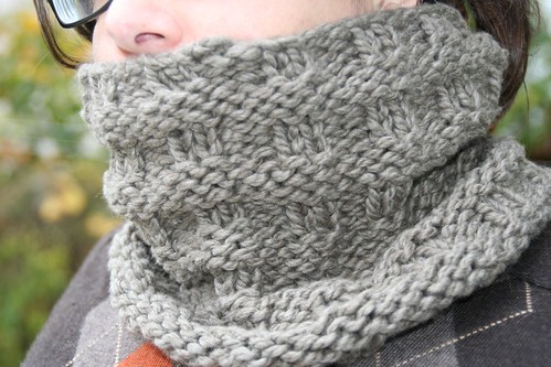 Knitting Stitches Bulky Yarn : Overpass Cowl Free Knitting Pattern from the Cowls and neckwarmers Free Knitt...