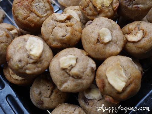 THV cakes - banana mini muffins