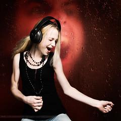 I'm a rockstar - Julia 1.1 (m8bilder) Tags: music woman studio yeah dancing rockstar background ps headphones musik frau 2008 watermark tanzen hintergrund kopfhrer wasserzeichen wwwm8bilderde dontstealmywork