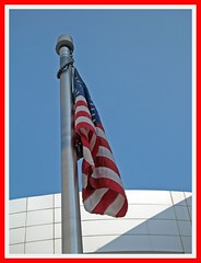 (S h e l l y) Tags: shadow sky building flag americanflag redwhiteblue 1202009 inaugurationday2009