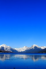 IMG_7704 copy (grafficartistg4) Tags: photophotograph photography slr camera digital eos canon30d glaciernationalpark gnp montana nwmontana winter cold freezing freeze frozen ice icy water h2o lake lakemcdonald blue snow reflection beauty mountains mountain nature sunlight light sun