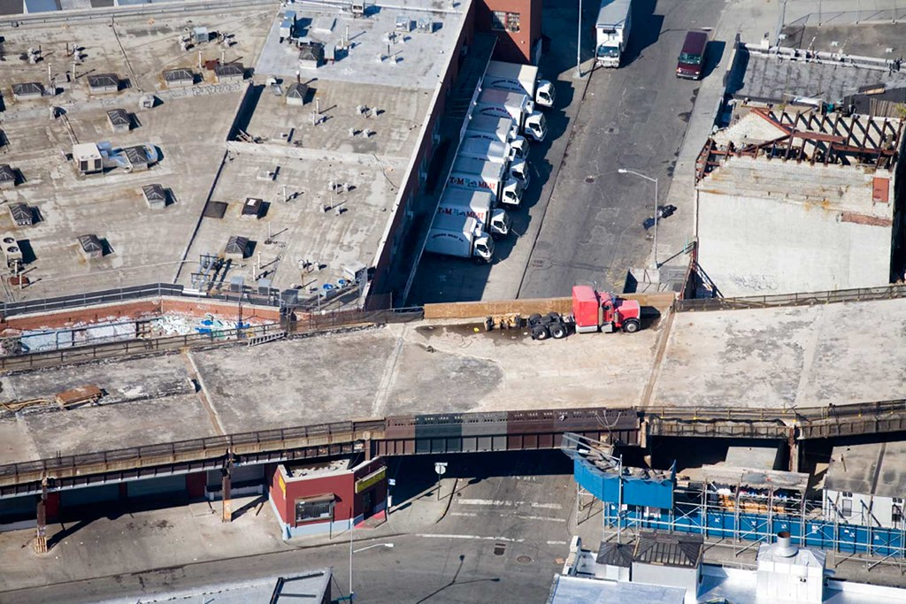 Aerial View of the High Line at Little West 12th Street: 2006