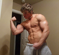 3252245756_3346b5ed89 (mikeyj1622) Tags: male pecs muscle beefy manly cocky swollen alpha biceps stud