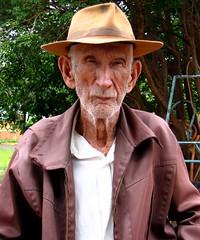 Seu Dito, the Centenarian (joaobambu) Tags: old portrait man face hat brasil canon time retrato age brazilian alter wrinkles opa velho brazile echaporã echapora vecchio dito centenarian