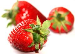 (a.rud.beth) Tags: macro fruits strawberries erdbeeren