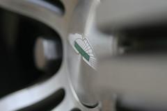 Wheel Centre (StoneyWarren) Tags: martin v8 aston vantage n400
