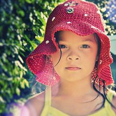 P&S: Summer 09 (isayx3) Tags: summer portrait macro hat point warm shoot glare dof bokeh ps polka dot 09 coolpix pointandshoot tones p5000 plainjoe isayx3