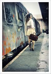 Me Fui II (.¸.·•●✿ ℓυ∂υєη ✿●•·.¸.) Tags: portrait woman selfportrait me self canon ego reflex mujer retrato yo autoretrato feeling naturallighting selfego sentimientos luznatural 400d canon400d luduen autoretratoexteriores aboutfeelings