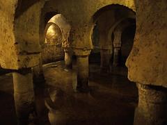 Cceres - Aljibe 3 (TonioMora) Tags: espaa water spain agua cceres arcs cistern arcos depsito extremadura aljibe olympuse510
