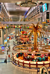 the opulent interior of Dubai's airport (by: Shenghung Lin, creative commons license)