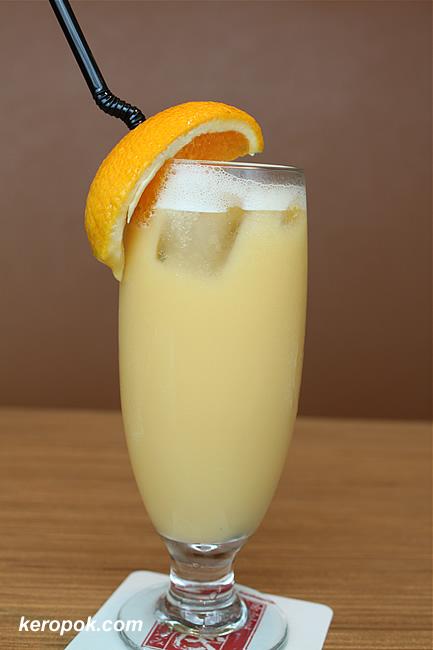Mango Yakult