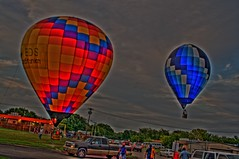 End of the Show (Keith Hernandez) Tags: hot balloons nikon air sigma landing 1020mm hotairballoons hdr sigma1020mm photomatix d5000 nikond5000 nikond5000hdr planoballonfest2009
