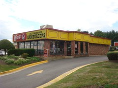 un-remodeled Wendy's (Manassas, Va.) (Joe Architect) Tags: life travel retail restaurant virginia washingtondc dc washington fastfood favorites va manassas wendys myfavorites 2009 yourfavorites dcretail joesgreatesthits