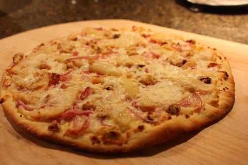 pear & gorgonzola pizza, fresh from oven