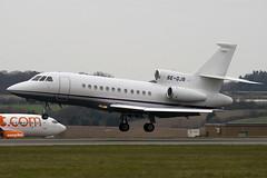 SE-DJB - 179 - Private - Dassault Falcon 900EX - Luton - 090331 - Steven Gray - IMG_2657
