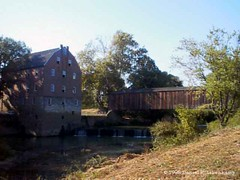Bollinger Mill and Burfordville Covered Bridge 01 (daniel.lilienkamp) Tags: usa mill missouri coveredbridge casioqv10 bollingermill burfordvillecoveredbridge