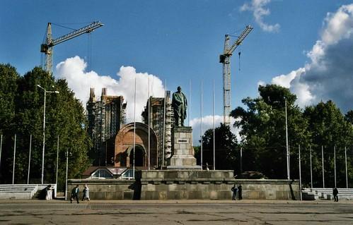 Памятник Ленину, Площадь победы Калининград. Victory square - Lenin denkmal,  Kaliningrad.September 2003. ©  sludgegulper