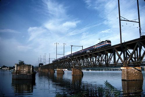 railroad electric trains amtrak