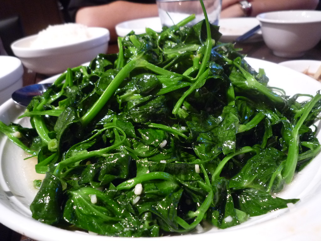 Sauteed snow pea shoot in garlic