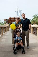Family pose in Dubai (Lars Plougmann) Tags: family hotel dubai uae balloon burjalarab alqasr img2221