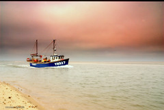 The english Coast........ (Nicolas Valentin) Tags: sea england holiday beach boat sand norfolk wellnextthesea