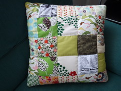 cojn de patchwork (+Eva+) Tags: verde green pillow fabric scraps patchwork cojin